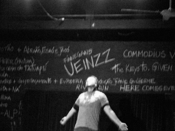 Cia. Teatral Ueinzz apresenta sua nova peça, no b_arco