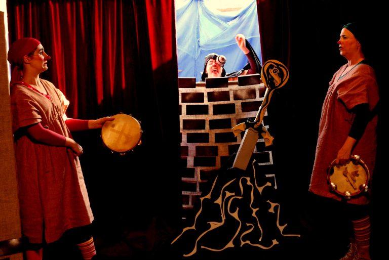 """O b_arco recebe o espetáculo """"Merlim, Arthur e o Bobo"""""""