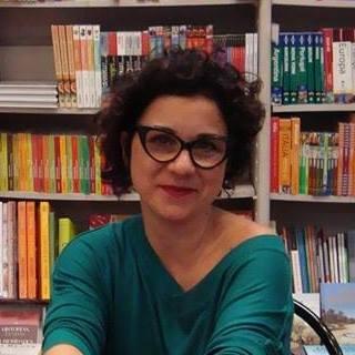 Carla Cristina Garcia